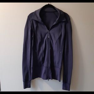 Lululemon Sz 4 deep purple zip up